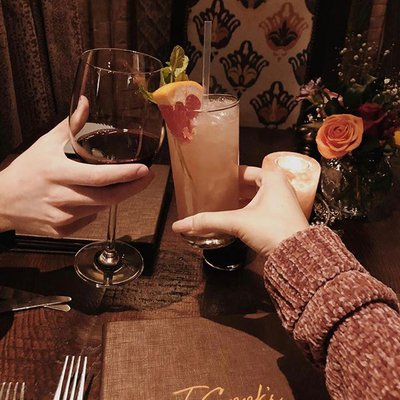 Cheers to good company and great food. 📸: @azsipst